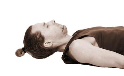 Вытяжение шеи лежа на спине